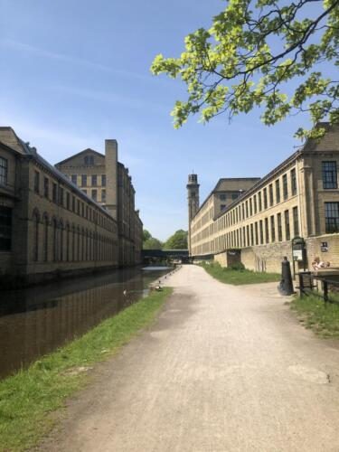 Dalesway Link Hike: Salts Mill, Leeds Liverpool Canal